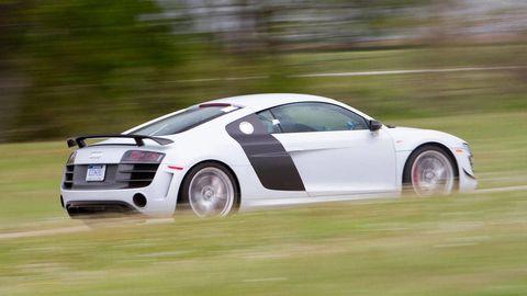 Tire, Wheel, Automotive design, Vehicle, Land vehicle, Car, Fender, Rim, Sports car, Vehicle registration plate,