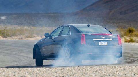 Automotive design, Vehicle, Car, Automotive tire, Automotive exterior, Fender, Rim, Mid-size car, Alloy wheel, Full-size car,
