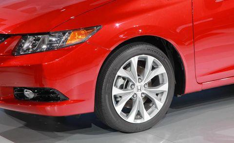 Tire, Automotive design, Automotive tire, Vehicle, Automotive lighting, Rim, Automotive wheel system, Alloy wheel, Automotive exterior, Headlamp,