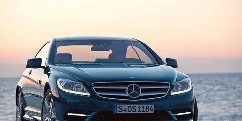 Mode of transport, Automotive design, Vehicle, Automotive exterior, Grille, Car, Mercedes-benz, Hood, Personal luxury car, Headlamp,
