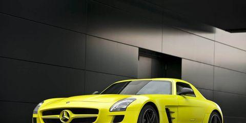 Tire, Mode of transport, Automotive design, Vehicle, Transport, Hood, Grille, Car, Rim, Mercedes-benz,