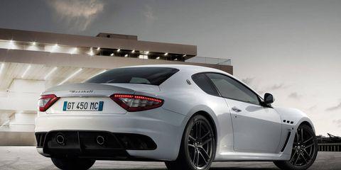 Tire, Wheel, Automotive design, Mode of transport, Vehicle, Rim, Automotive lighting, Land vehicle, Performance car, Car,