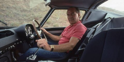 Motor vehicle, Automotive design, Steering part, Steering wheel, Shoe, Car seat, T-shirt, Glass, Vehicle door, Windshield,
