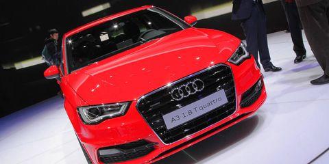 Automotive design, Vehicle, Event, Land vehicle, Grille, Car, Audi, Personal luxury car, Auto show, Exhibition,