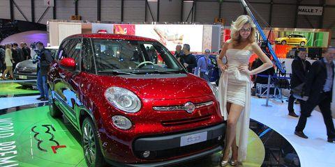 Motor vehicle, Automotive design, Vehicle, Land vehicle, Event, Car, Automotive lighting, Exhibition, Auto show, Hatchback,