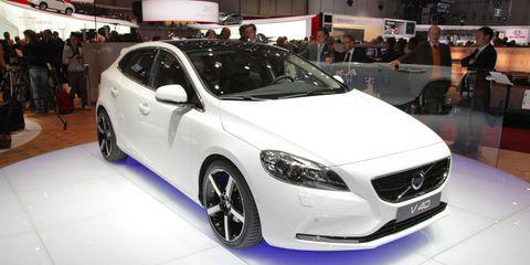 Wheel, Tire, Motor vehicle, Automotive design, Mode of transport, Vehicle, Land vehicle, Event, Car, Personal luxury car,