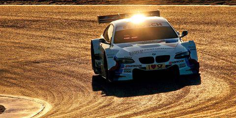Automotive design, Vehicle, Land vehicle, Automotive exterior, Motorsport, Hood, Car, Rallying, Sports car racing, Racing,