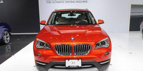 Motor vehicle, Mode of transport, Automotive design, Automotive exterior, Product, Vehicle, Automotive lighting, Hood, Land vehicle, Grille,