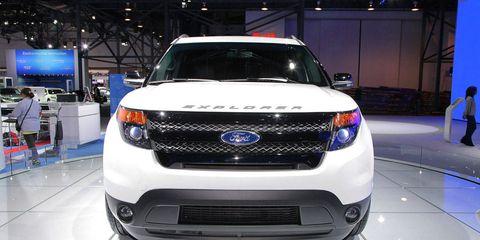 Motor vehicle, Automotive design, Vehicle, Automotive lighting, Grille, Car, Headlamp, Technology, Automotive exterior, Automotive fog light,