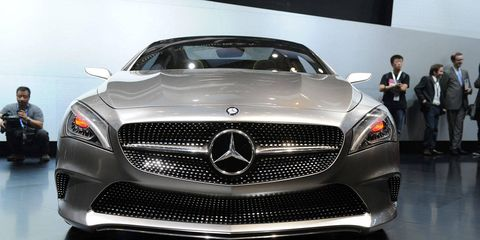 Mode of transport, Automotive design, Vehicle, Grille, Car, Mercedes-benz, Personal luxury car, Luxury vehicle, Performance car, Automotive exterior,