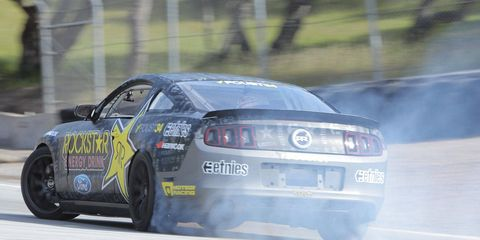 Tire, Automotive design, Vehicle, Automotive tire, Motorsport, Car, Automotive exterior, Performance car, Racing, Auto racing,