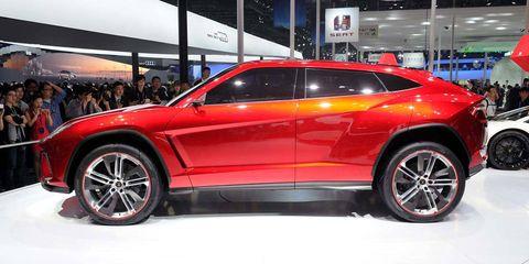 Tire, Wheel, Automotive design, Vehicle, Land vehicle, Car, Automotive tire, Automotive wheel system, Alloy wheel, Rim,