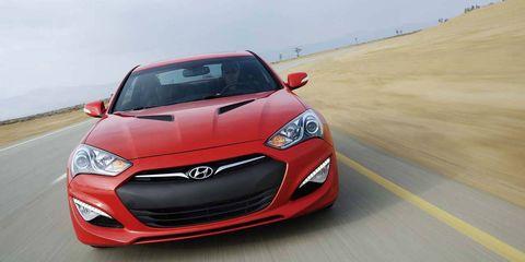 Motor vehicle, Tire, Automotive design, Mode of transport, Daytime, Vehicle, Hood, Headlamp, Car, Automotive lighting,