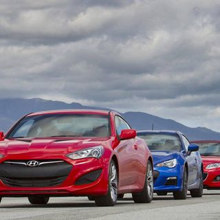 Photos Subaru BRZ vs Mazda MX5 Miata vs Hyundai Genesis Coupe