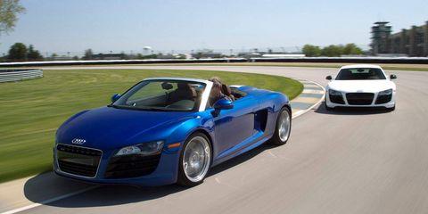 Tire, Wheel, Automotive design, Mode of transport, Land vehicle, Vehicle, Automotive mirror, Transport, Car, Rim,