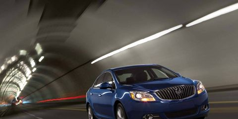 Mode of transport, Automotive design, Vehicle, Transport, Automotive lighting, Infrastructure, Car, Automotive parking light, Full-size car, Grille,