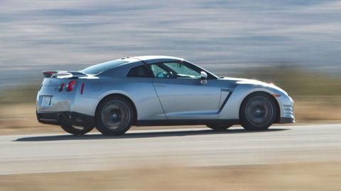 Tire, Wheel, Automotive design, Automotive tire, Vehicle, Land vehicle, Alloy wheel, Performance car, Rim, Transport,