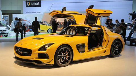Automotive design, Vehicle, Yellow, Land vehicle, Performance car, Car, Supercar, Sports car, Fender, Personal luxury car,