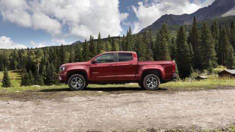 Motor vehicle, Tire, Wheel, Automotive tire, Pickup truck, Natural environment, Vehicle, Automotive design, Land vehicle, Rim,