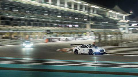 Tire, Automotive design, Motorsport, Race track, Car, Sports car racing, Performance car, Race car, Auto racing, Headlamp,