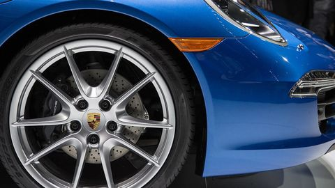 Tire, Wheel, Automotive design, Vehicle, Land vehicle, Automotive wheel system, Automotive tire, Rim, Alloy wheel, Car,