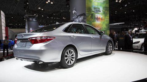 Tire, Wheel, Automotive design, Mode of transport, Vehicle, Event, Land vehicle, Car, Alloy wheel, Full-size car,