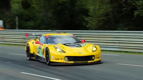 Automotive design, Yellow, Vehicle, Sports car racing, Road, Motorsport, Performance car, Car, Race track, Supercar,