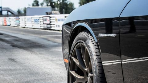 Automotive tire, Automotive design, Automotive exterior, Automotive wheel system, Alloy wheel, Rim, Hood, Automotive lighting, Fender, Tread,