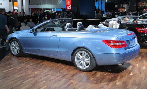 Tire, Wheel, Automotive design, Mode of transport, Vehicle, Land vehicle, Car, Personal luxury car, Vehicle registration plate, Alloy wheel,
