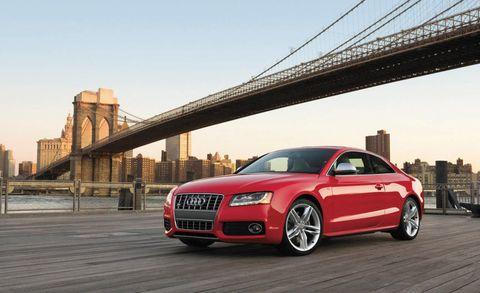 Tire, Wheel, Automotive design, Vehicle, Automotive mirror, Rim, Car, Audi, Vehicle registration plate, Bridge,