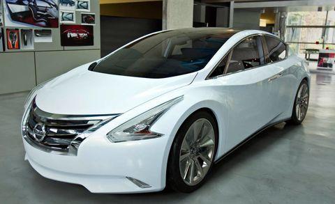 Motor vehicle, Mode of transport, Automotive design, Vehicle, Automotive mirror, Transport, Glass, Car, Technology, Vehicle door,