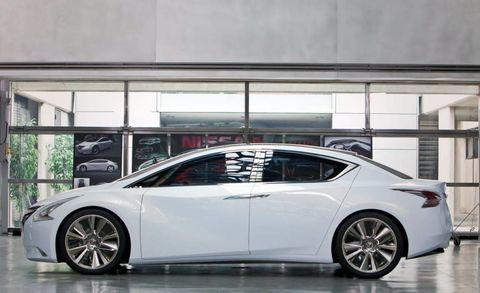 Wheel, Tire, Mode of transport, Automotive design, Vehicle, Transport, Car, Glass, Rim, Alloy wheel,
