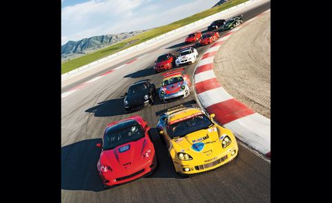Automotive design, Land vehicle, Sports car racing, Vehicle, Race track, Motorsport, Performance car, Touring car racing, Car, Rallying,