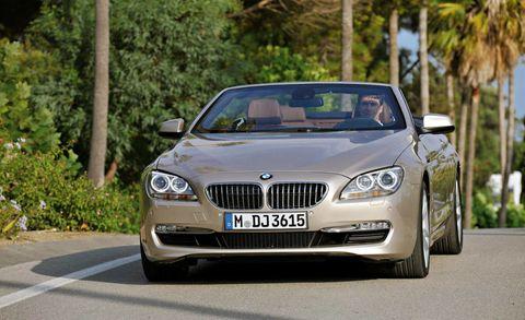 Mode of transport, Automotive design, Vehicle, Land vehicle, Grille, Infrastructure, Car, Road, Automotive mirror, Hood,
