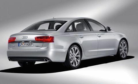 Tire, Wheel, Mode of transport, Automotive design, Product, Vehicle, Vehicle registration plate, Rim, Car, Alloy wheel,