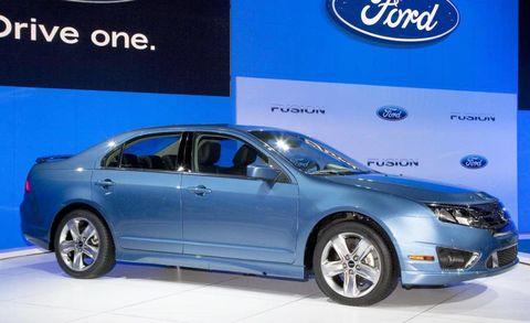 Tire, Wheel, Product, Automotive design, Vehicle, Alloy wheel, Car, Full-size car, Automotive lighting, Rim,