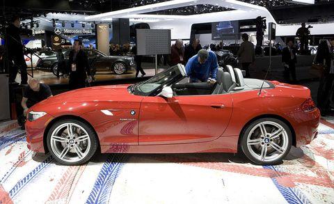 Tire, Wheel, Automotive design, Vehicle, Land vehicle, Performance car, Automotive wheel system, Alloy wheel, Car, Spoke,