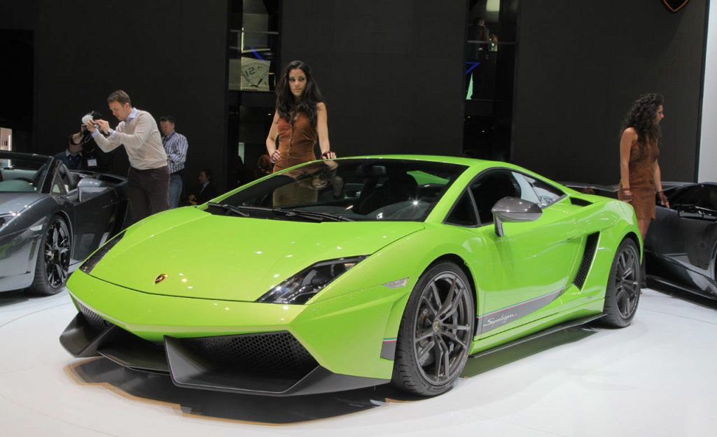 Even Sports Car Manufacturers Need To Be Green These Daysu2014including  Lamborghini. One Way Of Doing So Is By Shedding Pounds, And This Is  Actually A Strategy ...