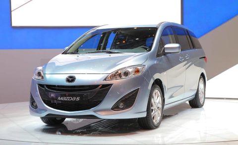 Motor vehicle, Tire, Wheel, Mode of transport, Automotive design, Product, Automotive mirror, Transport, Vehicle, Glass,