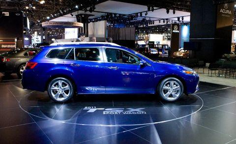 Tire, Wheel, Automotive design, Vehicle, Land vehicle, Rim, Alloy wheel, Car, Spoke, Automotive tire,