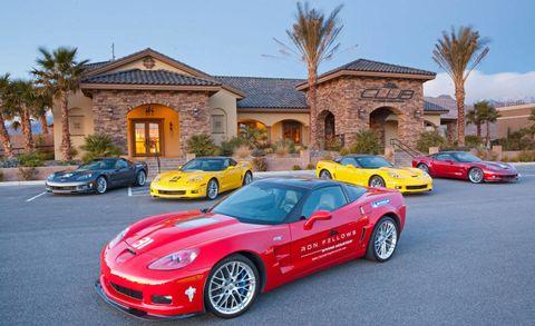Wheel, Tire, Land vehicle, Automotive design, Vehicle, Automotive parking light, Car, Performance car, House, Sports car,