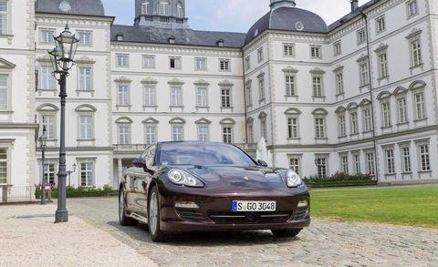 Automotive design, Window, Vehicle, Land vehicle, Vehicle registration plate, Rim, Car, Alloy wheel, Bumper, Performance car,