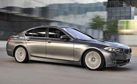 Tire, Wheel, Automotive design, Vehicle, Alloy wheel, Rim, Car, Spoke, Automotive tire, Automotive lighting,