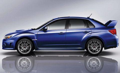 Tire, Wheel, Automotive design, Alloy wheel, Spoke, Automotive tire, Vehicle, Rim, Automotive lighting, Car,
