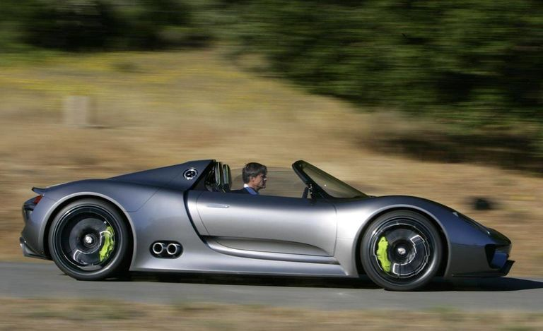 the porsche 918 spyder in action for the first time see. Black Bedroom Furniture Sets. Home Design Ideas