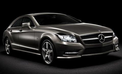 Tire, Wheel, Mode of transport, Automotive design, Vehicle, Automotive lighting, Transport, Grille, Car, Hood,