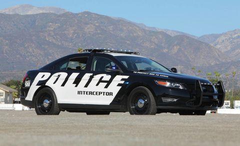 Motor vehicle, Wheel, Vehicle, Mountainous landforms, Land vehicle, Mountain range, Car, Police car, Hill, Police,