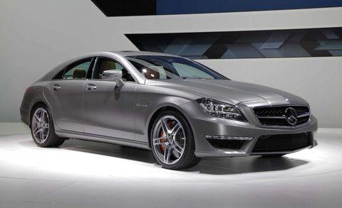 Tire, Wheel, Mode of transport, Automotive design, Vehicle, Automotive tire, Transport, Rim, Alloy wheel, Car,