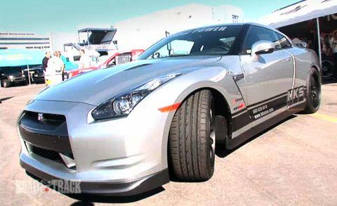 Tire, Wheel, Motor vehicle, Automotive design, Automotive tire, Vehicle, Land vehicle, Automotive exterior, Transport, Headlamp,