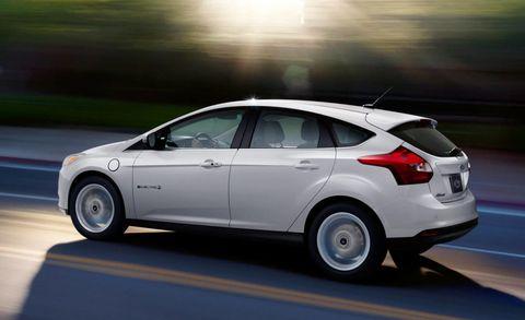 Tire, Wheel, Automotive design, Mode of transport, Vehicle, Automotive mirror, Automotive tire, Car, Automotive wheel system, Alloy wheel,